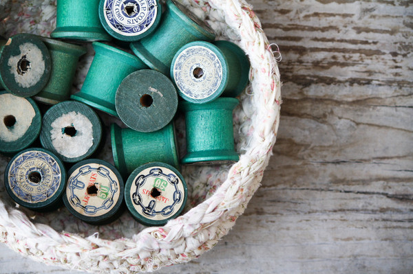 VINTAGE GREEN THREAD SPOOLS