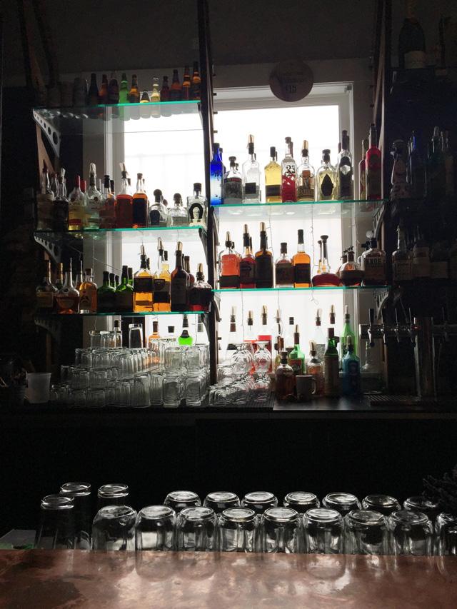 Urban Putt Bar