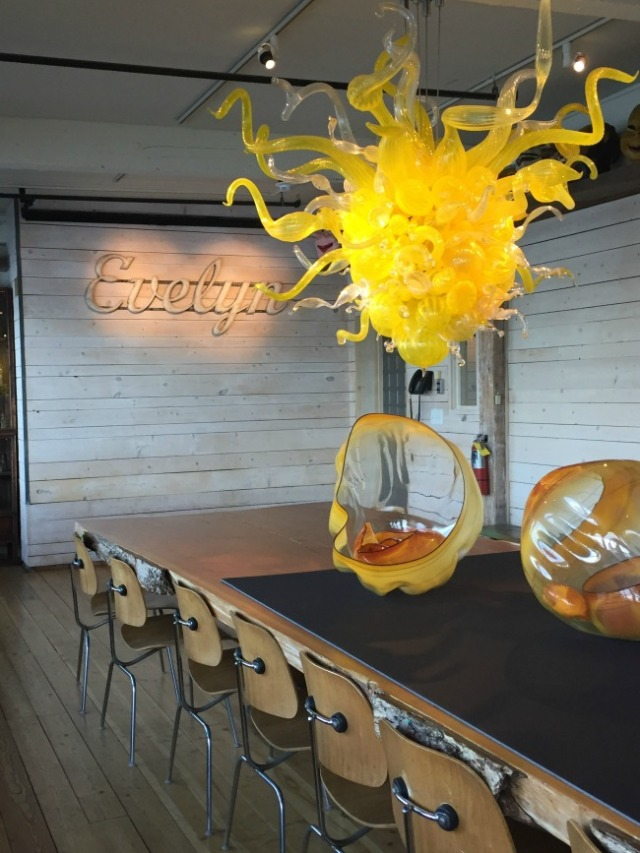 chihuly-dining-room