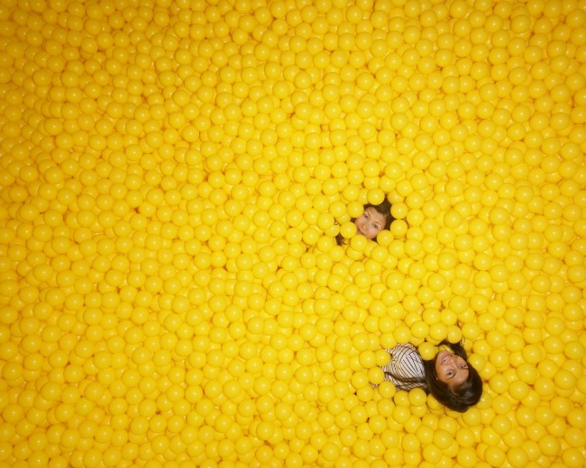 color-factory-yellow-ball-pit-lbg
